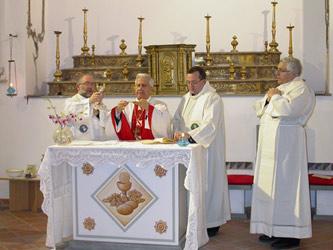 La celebrazione della santa messa.