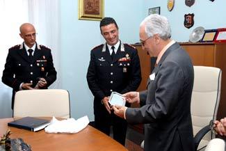 Il saluto del Prefetto Scammacca al Colonnello Stefanizzi.